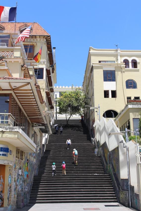 Escaleras de Cuenca. Muchas para ac ceder a la ciudda antigua!