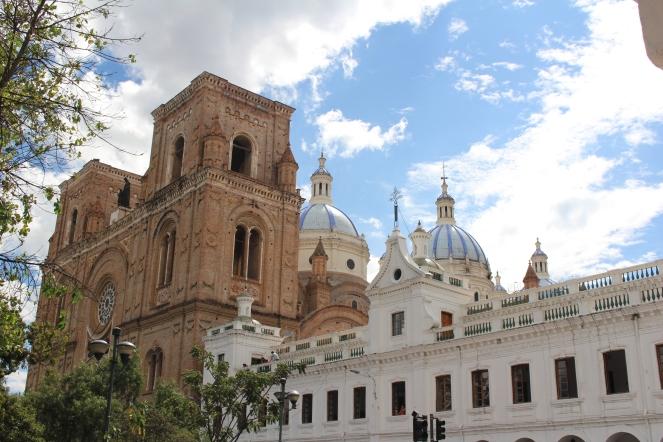 Icono de Cuenca su catedral y cúpulas.