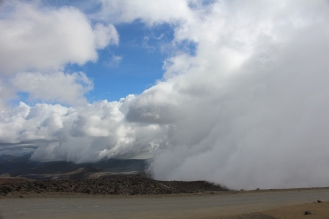 Se viene la nube. Camino al Chimborazo